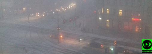 """Śnieżyce w Polsce. """"W ciągu kilku minut zrobiło się biało"""""""